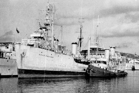 RFA GOLD RANGER 1958 Mar25 Jesselton Alongside HMNZS ROYALIST for CW